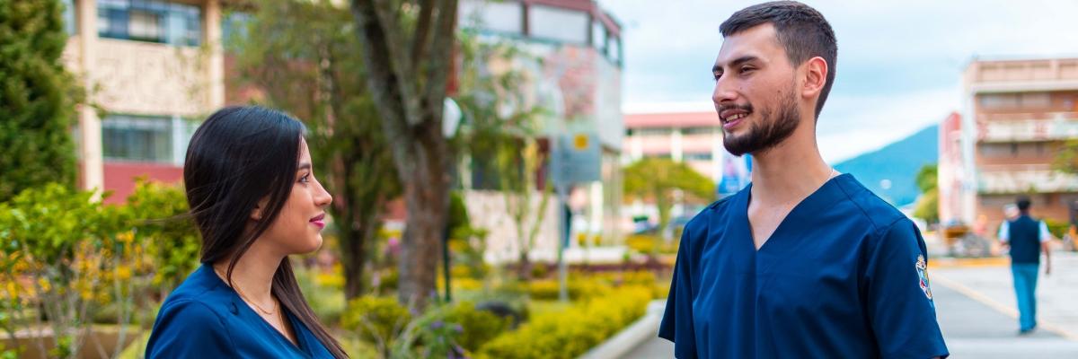Carrera de Psicología Clínica de la UTPL cuenta con indumentaria médica