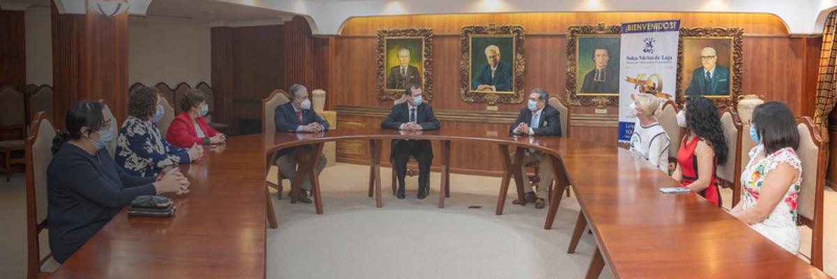 UTPL firma convenio con SOLCA para apoyar la investigación del cáncer