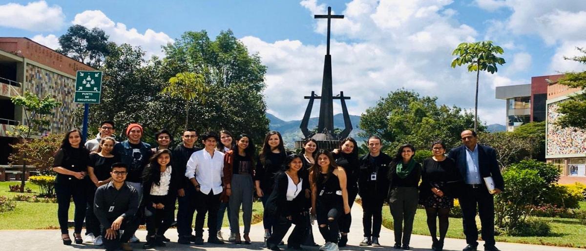 estudiantes comunicacion proyecto en museo matilde hidalgo loja