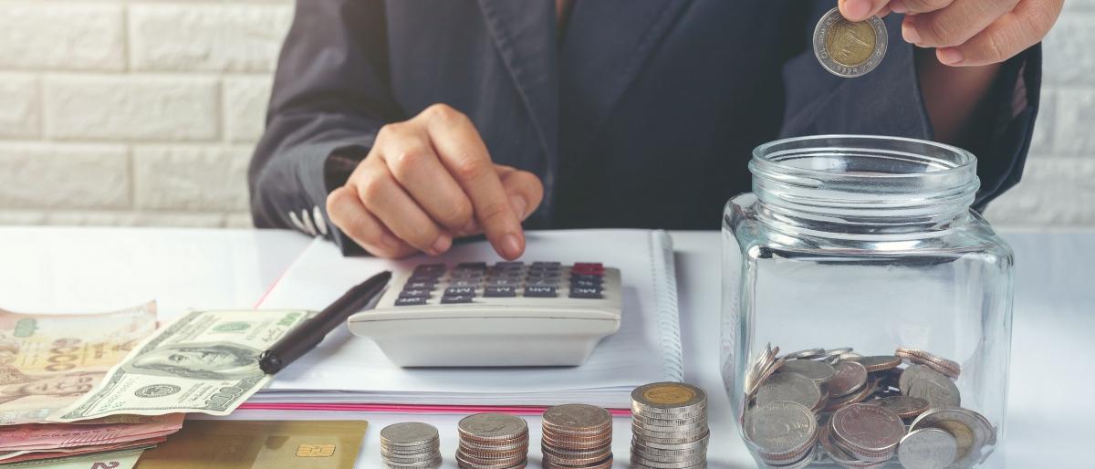 Tres estudiantes de la carrera de Contabilidad y Auditoría de la UTPL realizaron una inversión en la Bolsa de Valores Quito y ya han recibido sus primeras ganancias
