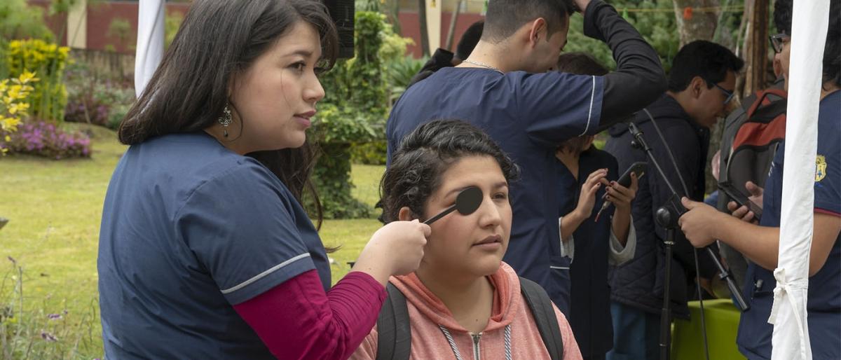 Estudiantes de Medicina realizan Feria de Salud