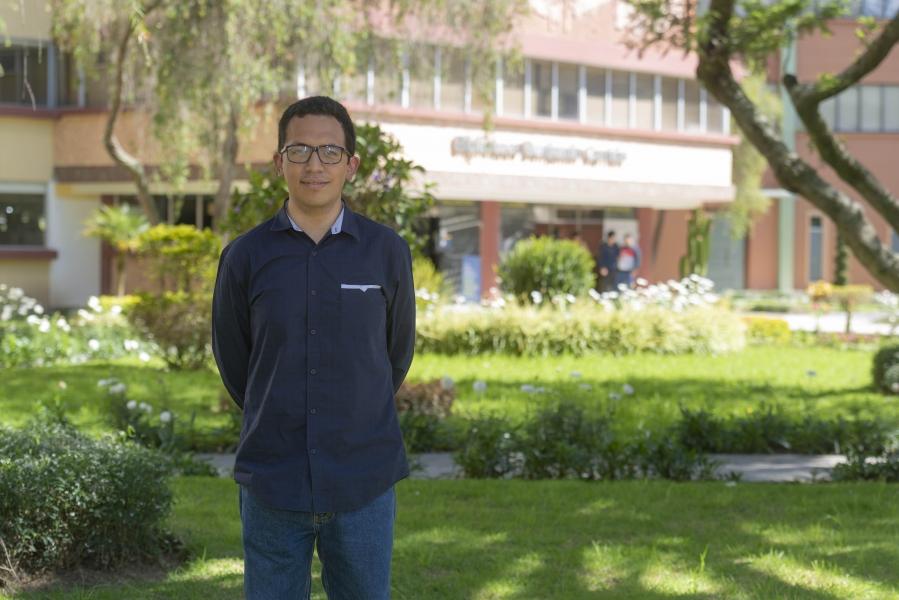 Estudiante destacado UTPL accede a beca internacional