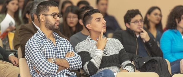 Estudiantes de la carrera  de Economía debaten implicaciones de la Carta de Intención con el FMI