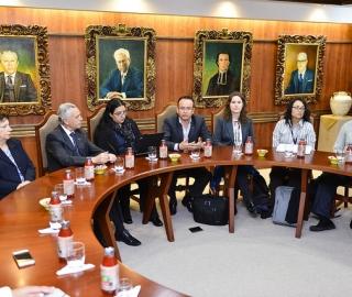 Visita in situ del comité de evaluación externo del CEAACES