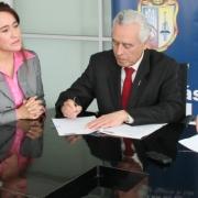 mies-utpl-firman-convenio-cooperacion