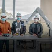 UTPL aporta al sector industrial con laboratorio de Robótica