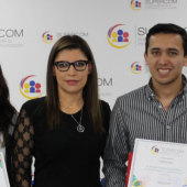 Premian-a-estudiantes-de-comunicacion-social