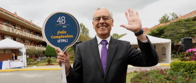 48 años UTPL
