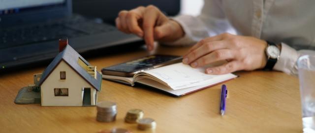 Mejora tus finanzas y conoce como pagar tus deudas